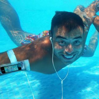 iSwim - Waterproof iPod Cover